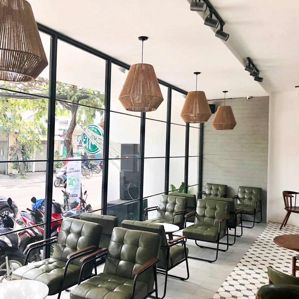 mẫu bàn ghế sofa khung sắt trong nội thất quán cafe effoc