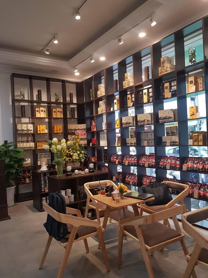 quay-ke-go-trang-tri-quan-cafe-trung-nguyen-legend