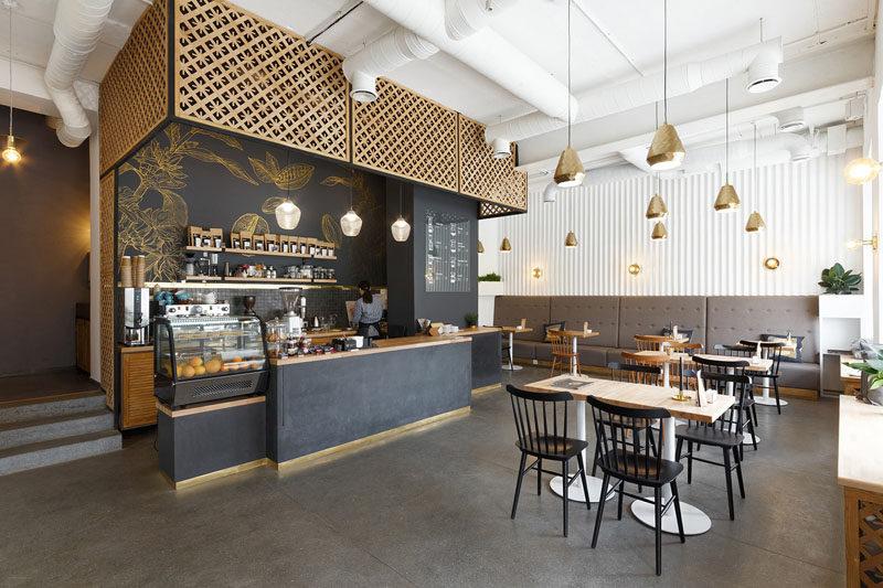 không gian quán cafe với những bộ bàn ghế nội thất phong cách mộc