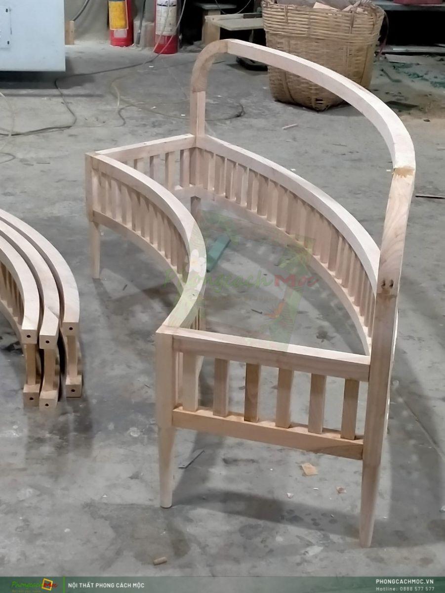 Khung ghế được làm từ gỗ Ash (hình từ xưởng PCM)