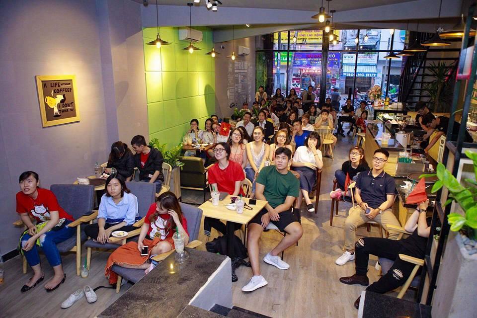 chương trình diễn ra tại quán thu hút khách hàng