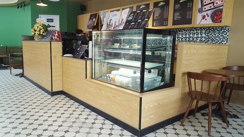 quầy gỗ phục vụ quán cafe