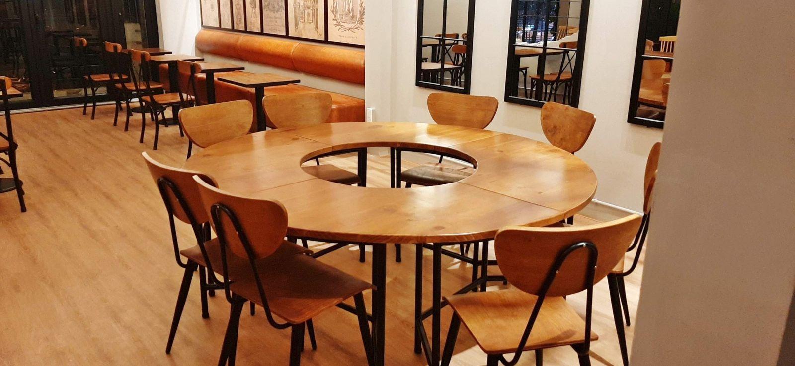 mẫu bàn nhóm vintage nổi bật nội thất quán cafe