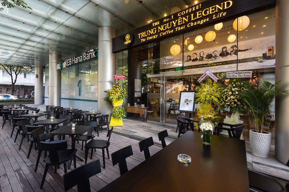 không gian nội thất quán trung nguyên legend cafe