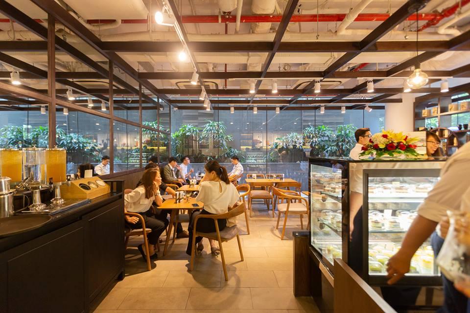 không gian quán cafe trung nguyên legend