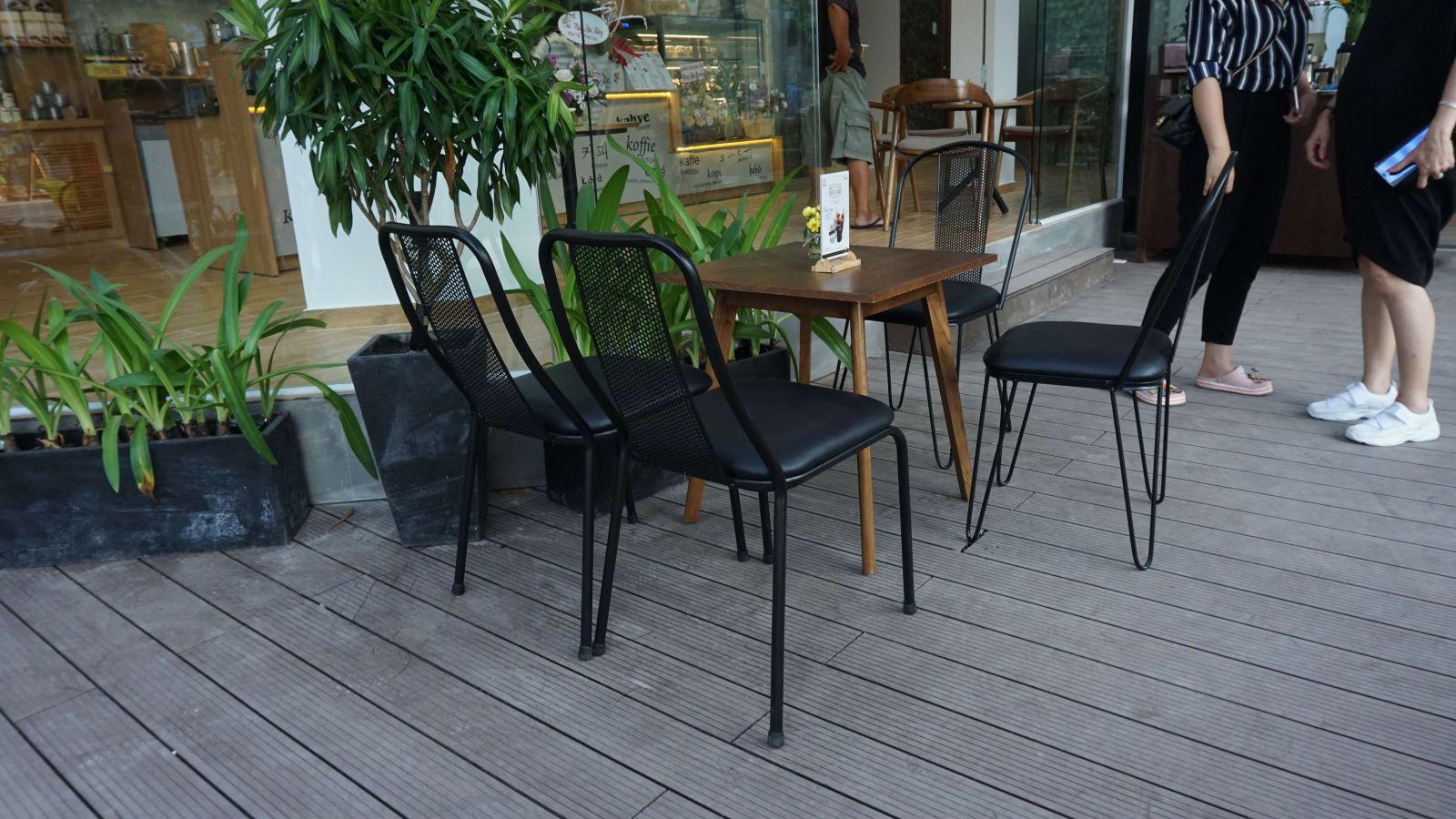 mẫu bàn ghế nội thất ngoài trời pcm cung cấp