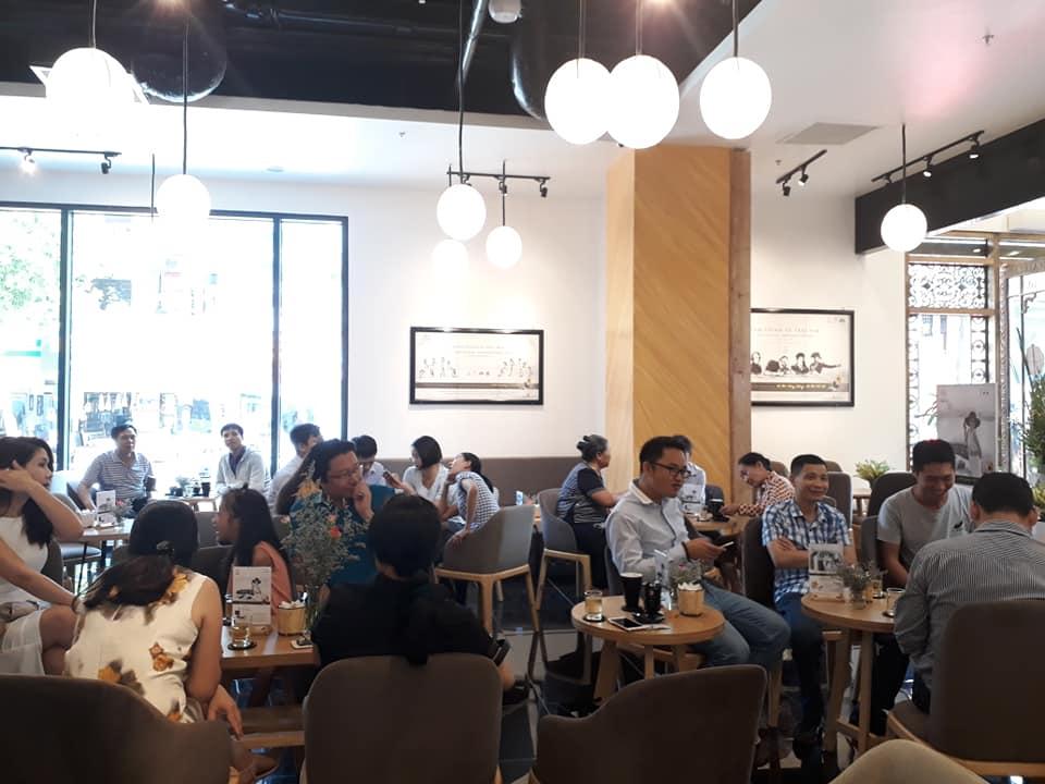 lượng khách hàng của trung nguyên legend cafe luôn đông