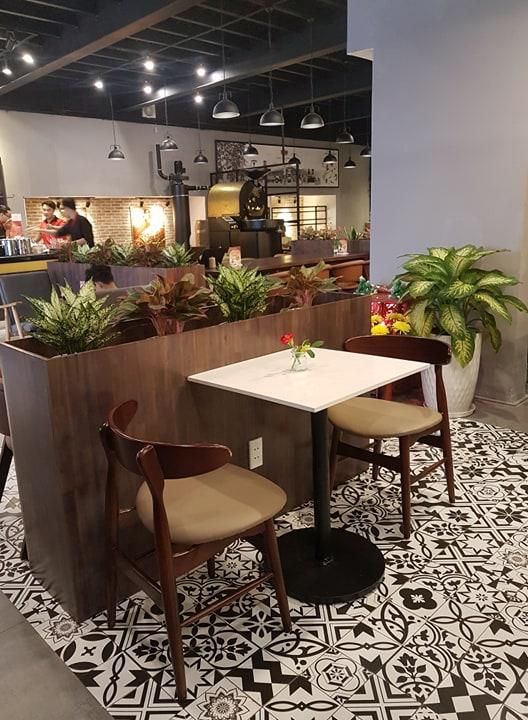 mẫu bàn ghế gỗ mặt trăng pcm thiết kế