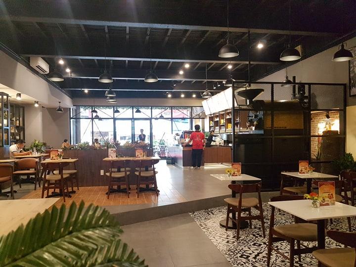 không gian nội thất quán cafe king coffee
