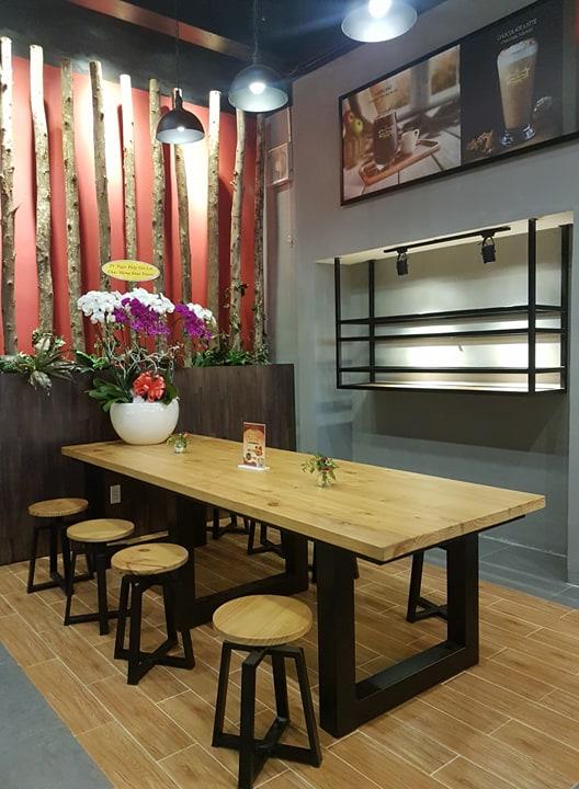mẫu bàn nhóm vintage dành cho 6-8 người ngồi nội thất quán cafe