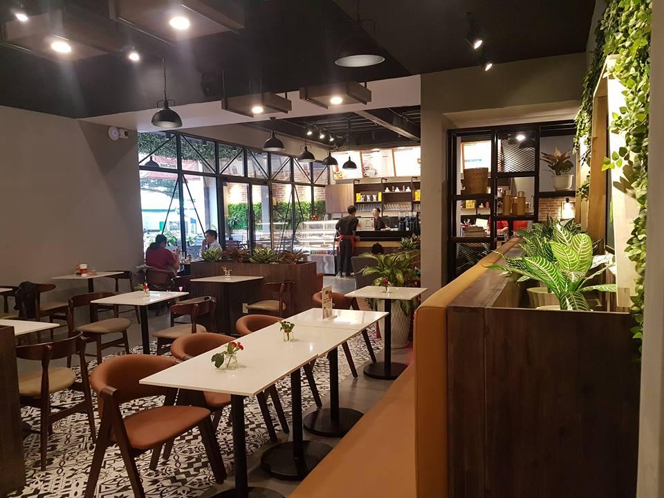 bàn ghế nội thất quán cafe king coffee tại quận 10 tphcm