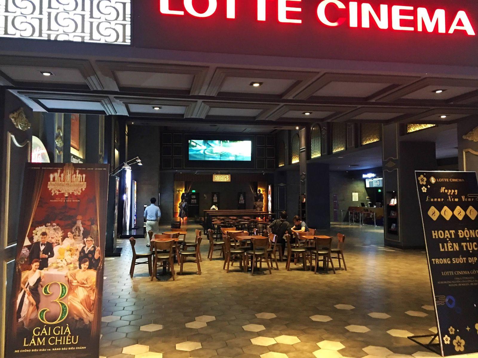 không gian phòng chờ lotte cinema -gò vấp
