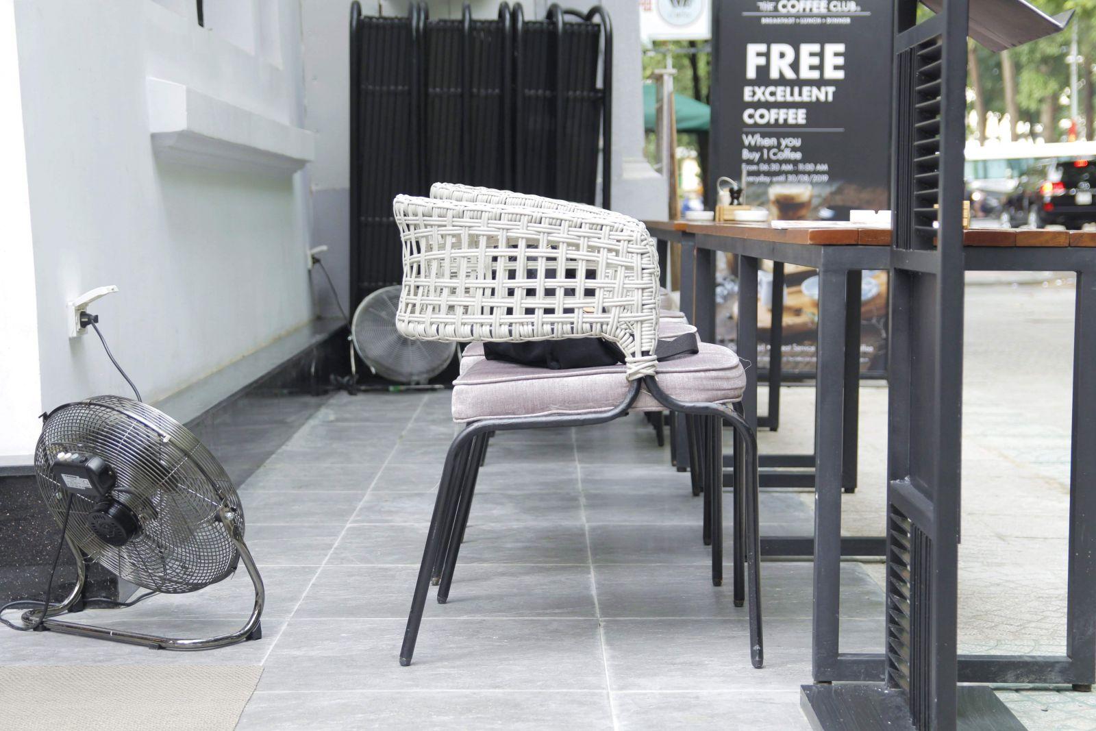 mẫu bàn ghế cafe ngoài trời mn230 pcm cung cấp