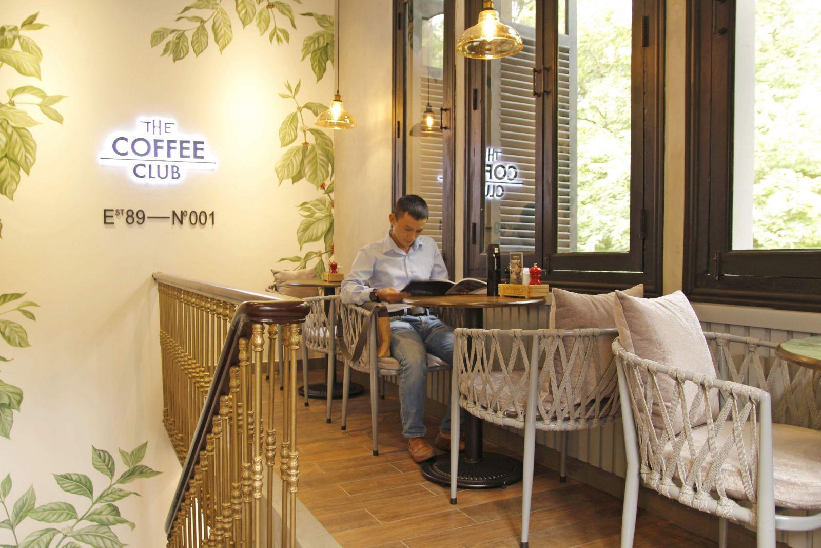 mẫu ghế mn226 pcm cung cấp bày trí tầng 1 quán cafe