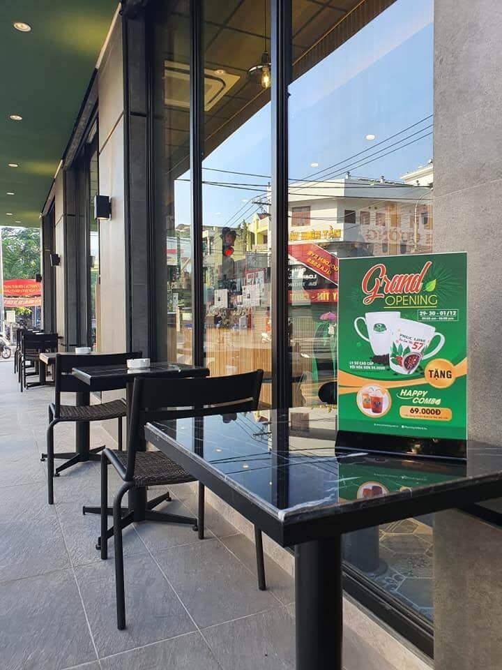 bộ bàn ghế bày trí ngoài trời quán cafe