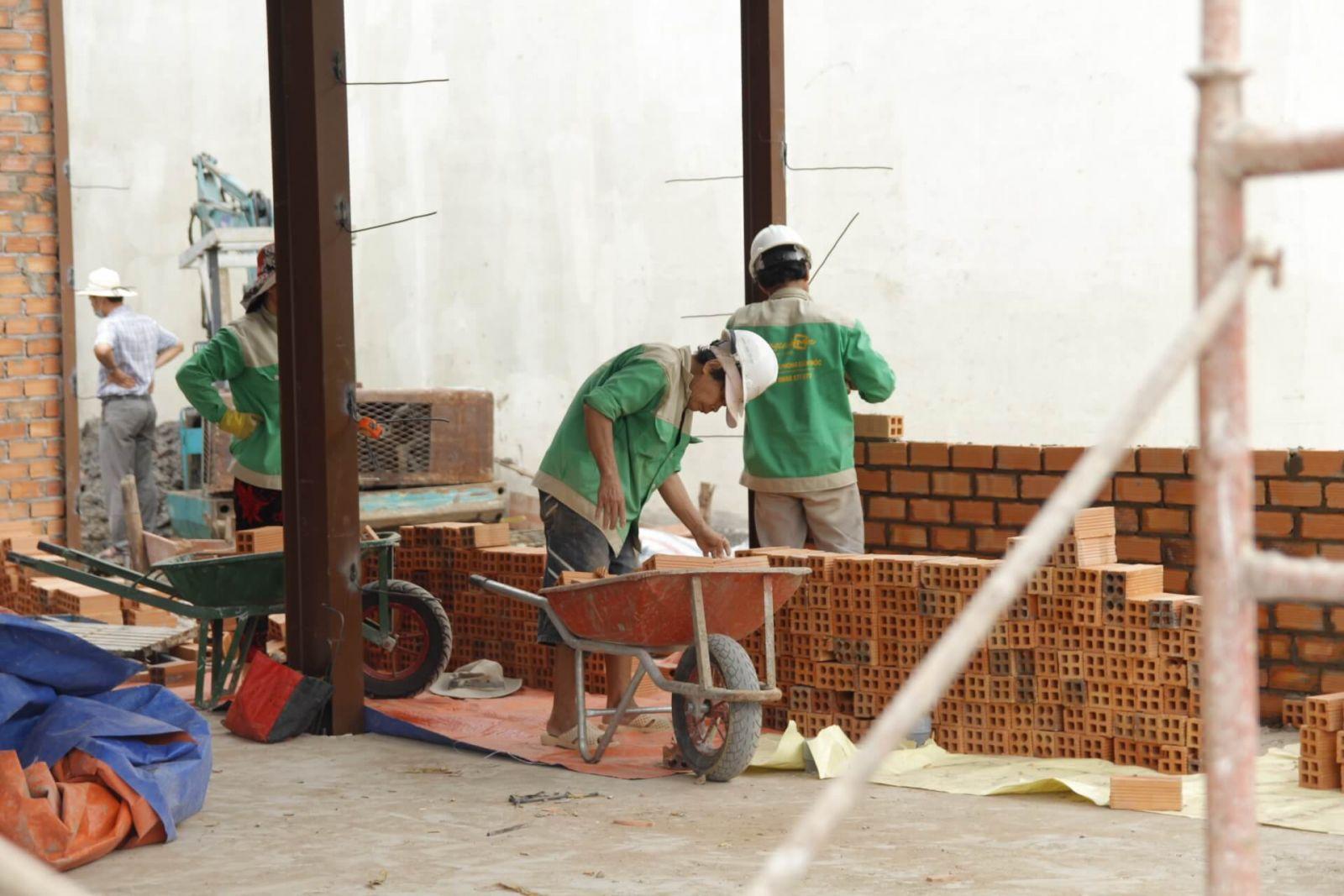 qua-trinh-thi-cong-van-phong-pcm-workshop-13