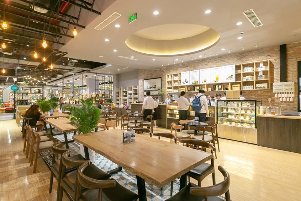 không gian nội thất hiện đại của trung nguyên legend cafe
