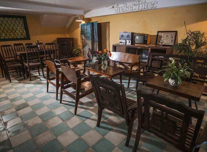 bàn ghế nội thất quán cafe thiết kế indochine