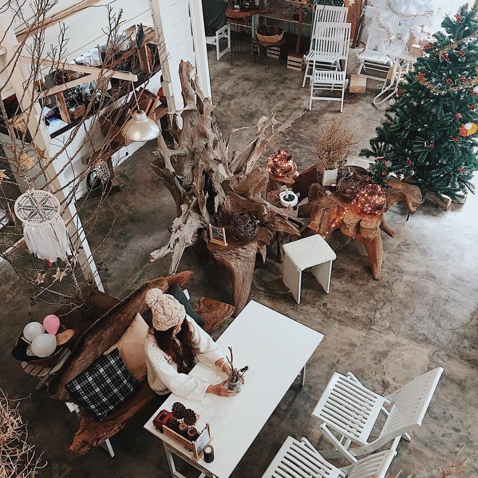 không gian nội thất quán cafe thiết kế phong cách scandinavian tại đà lạt
