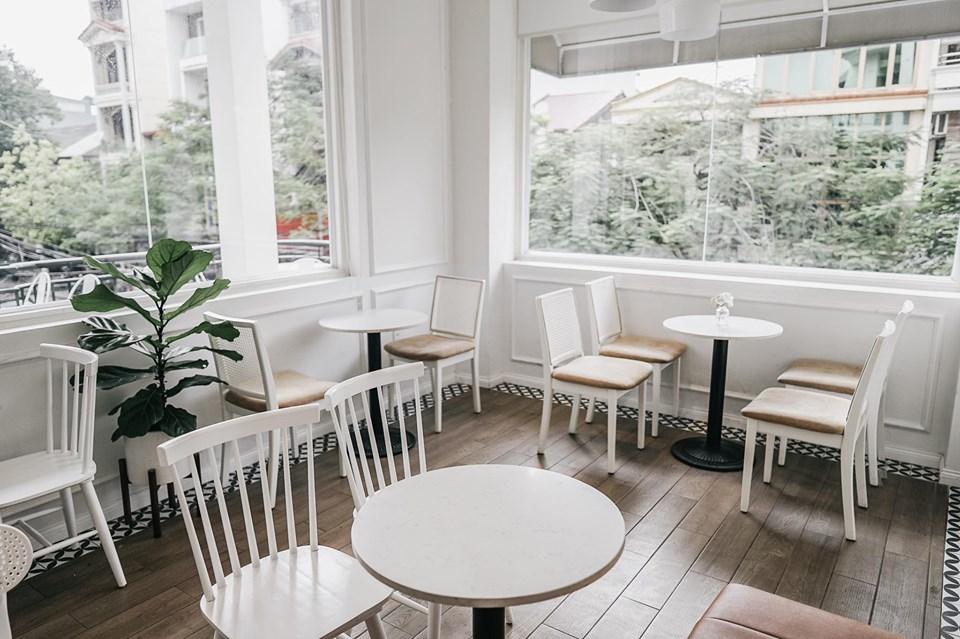 không gian nội thất quán cafe zebee cafe