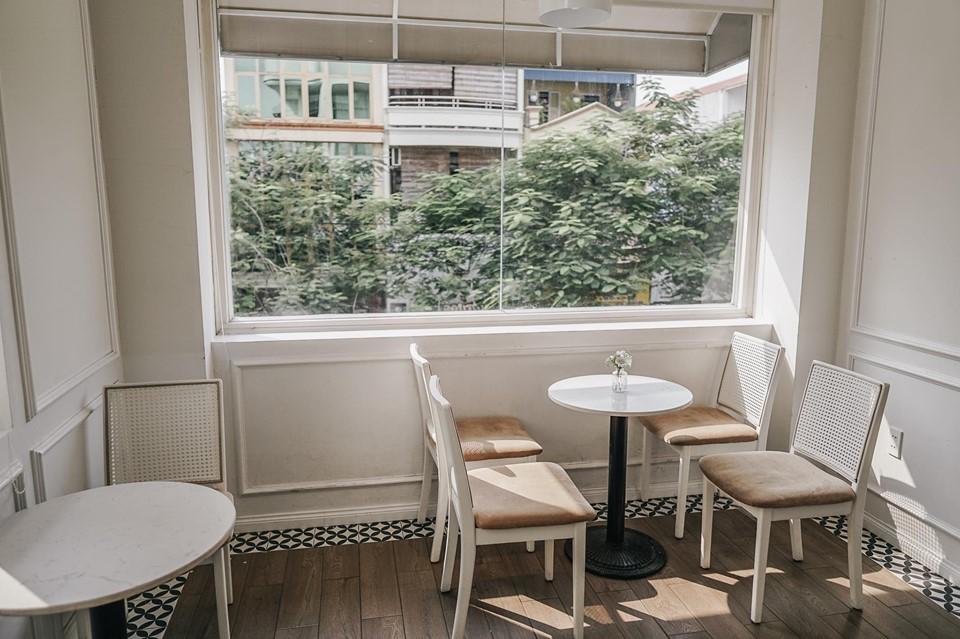 sử dụng bàn ghế nội thất hiện đại cao cấp cho chủ đề thiết kế scandinavian