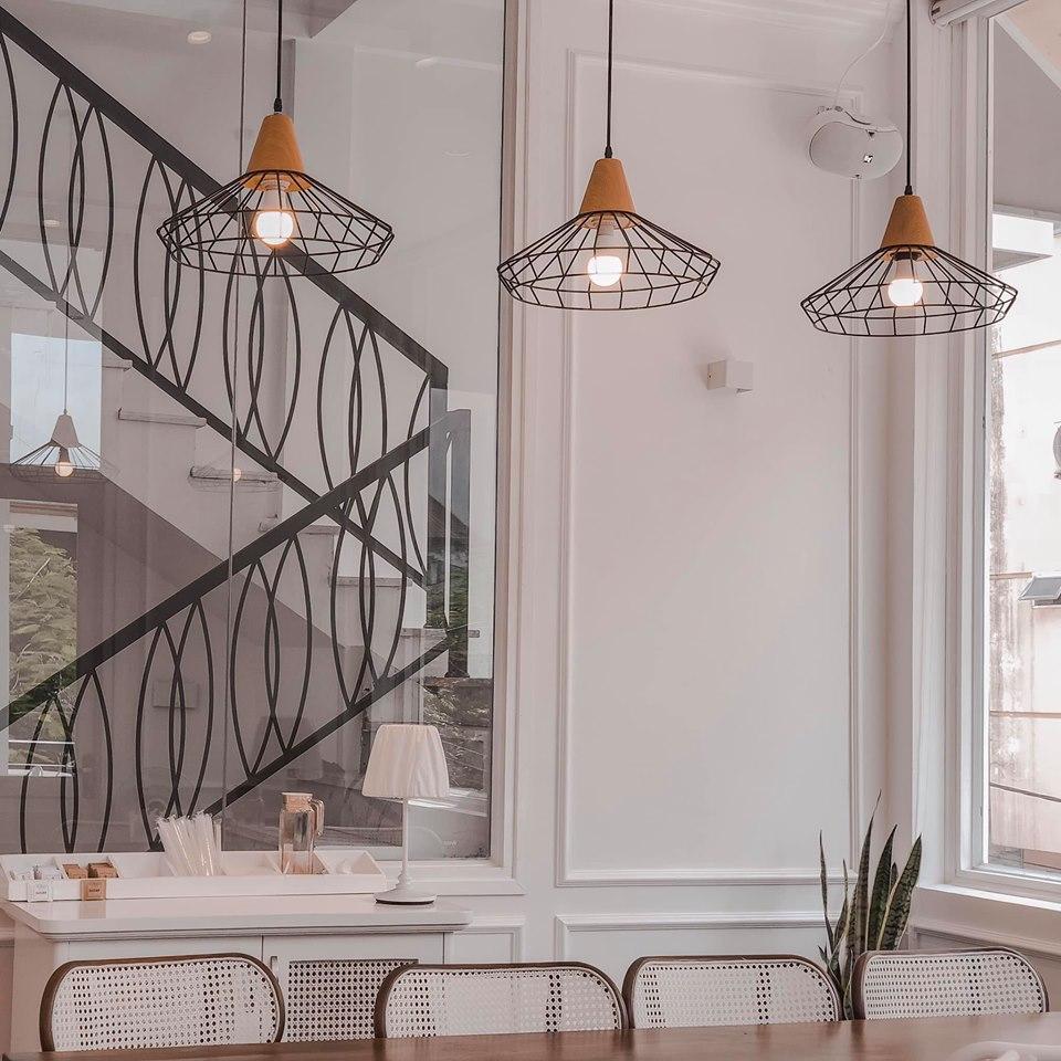 phong cách bắc âu được đưa vào thiết kế quán cafe zebee